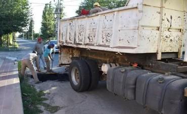 La Municipalidad de Andalgalá trabaja en el bacheo de calles
