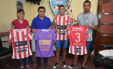 El Intendente Páez donó indumentaria al Club Tiro Federal y Gimnasia próximo a afrontar el Torneo Federal C