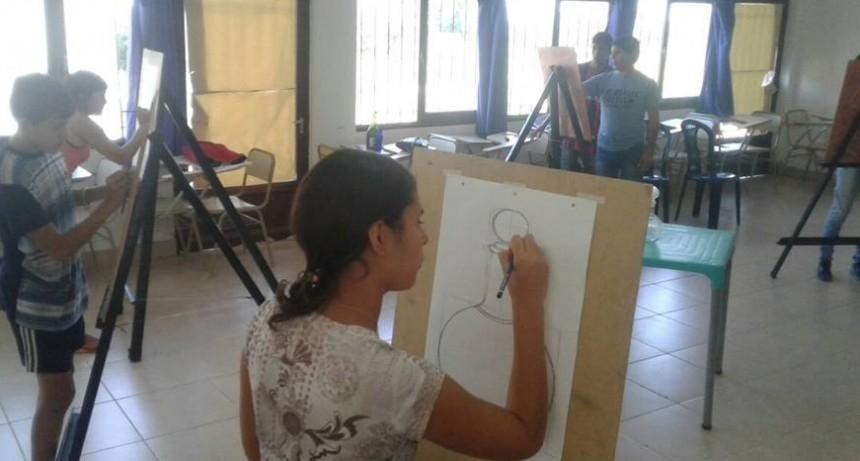 """Visita a la """"Capacitación de Pintura Artística"""""""