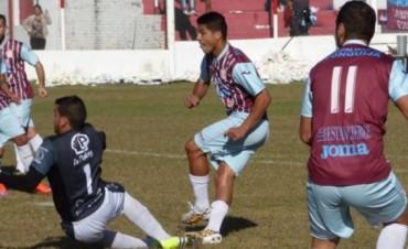 Unión Aconquija ganó 3 a 1 en casa y pasó a cuartos de final