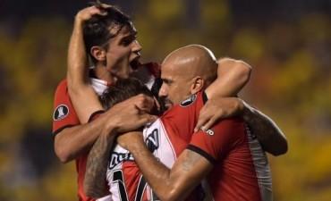 Estudiantes goleó en Ecuador pero no le alcanzó