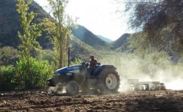 La Municipalidad de Andalgalá ayuda a productores ganaderos de Amanao