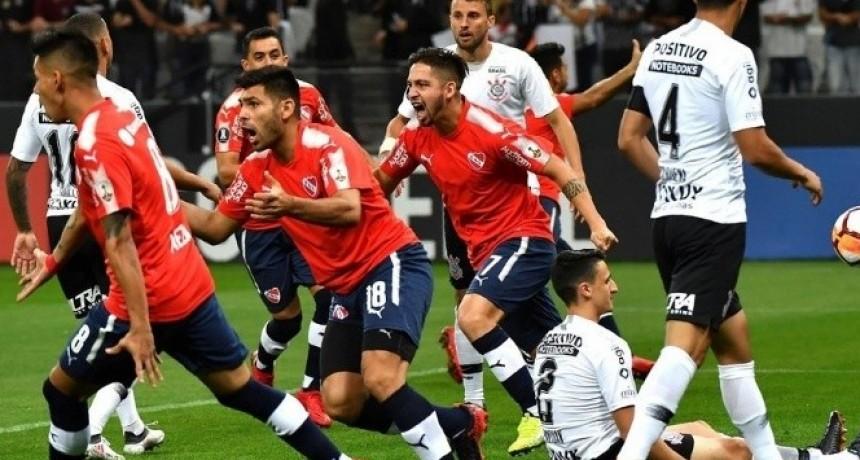 Independiente volvió a depender de sí mismo en un grupo muy parejo