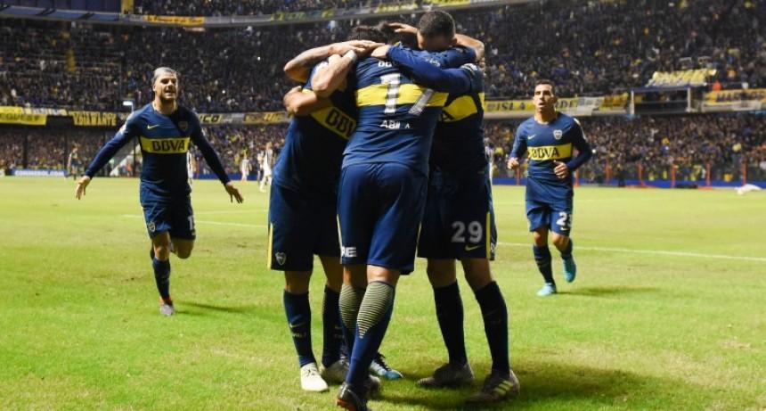 Boca aplastó a Alianza Lima y se metió de lleno en octavos