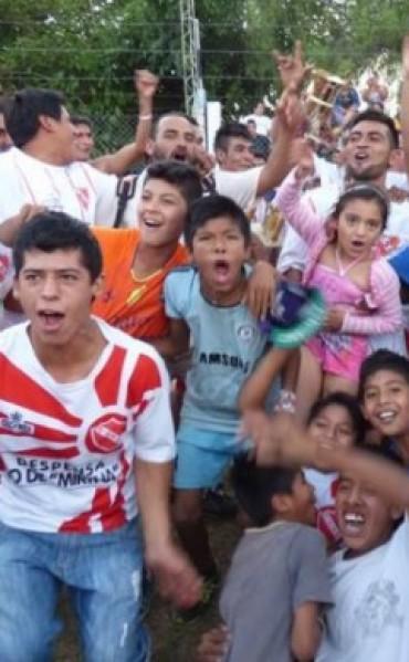 El Intendente Alejandro Páez saluda a la Asociación de Fútbol de Barrios por su cumpleaños