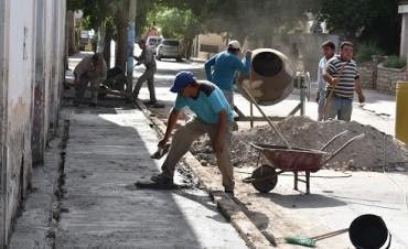 El municipio continúa con la mejora urbanística y arreglo de veredas del casco céntrico