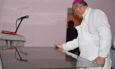 El Obispo consagro el altar y dedico el templo de El Potrero