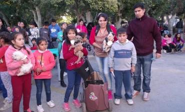 Las mascotas desfilaron para el deleite de todos los andalgalenses
